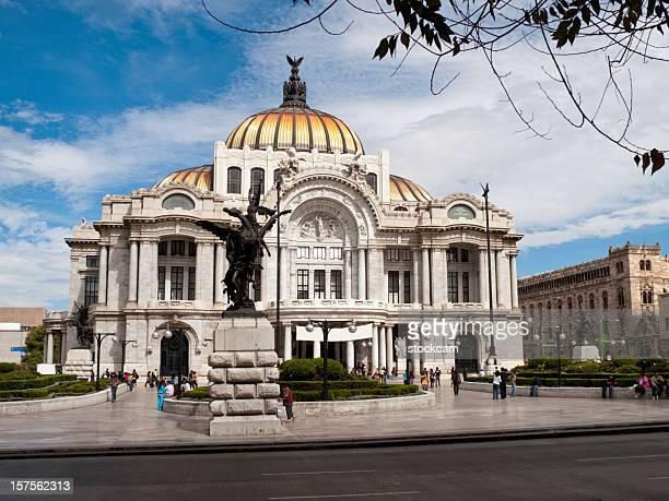 palacio de bellas artes in mexico city - kunstskulptur stock-fotos und bilder