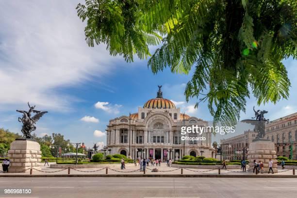 Palacio de Bellas Artes plaza