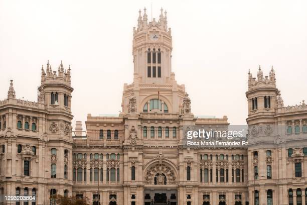 palacio de comunicaciones, city hall in a foggy day . madrid, spain. - 新古典派 ストックフォトと画像