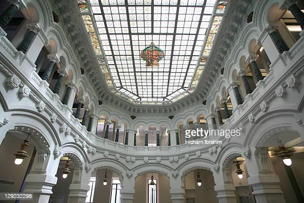 palacio de comunicaciones, madrid - spain - palácio - fotografias e filmes do acervo