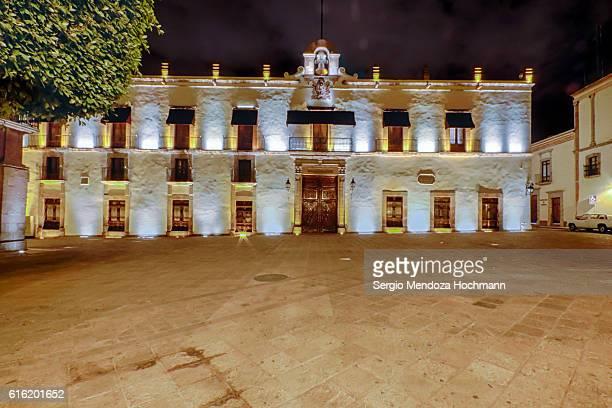 palacio de la corregidora, which houses the state government offices, at night - queretaro, mexico - ケレタロ州 ストックフォトと画像