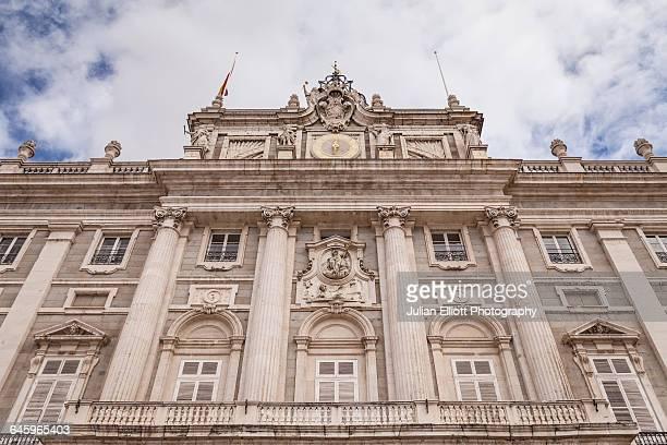 palacio real in madrid, spain. - palácio imagens e fotografias de stock