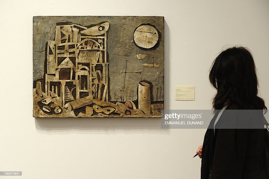 'Palaeoxora' by Gonzalo Fonseca is on display during a preview of Christie's Latin American Art auctions, May 24, 2010 in New York. Christie's will hold its Latin American Art auctions on May 26 and 27, 2010. AFP PHOTO/Emmanuel Dunand