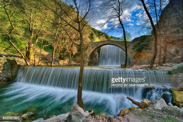 palaiokarya's stone bridge and falls - thessaly stock pictures, royalty-free photos & images