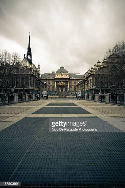 Palais de justice and Sainte Chapelle. Paris