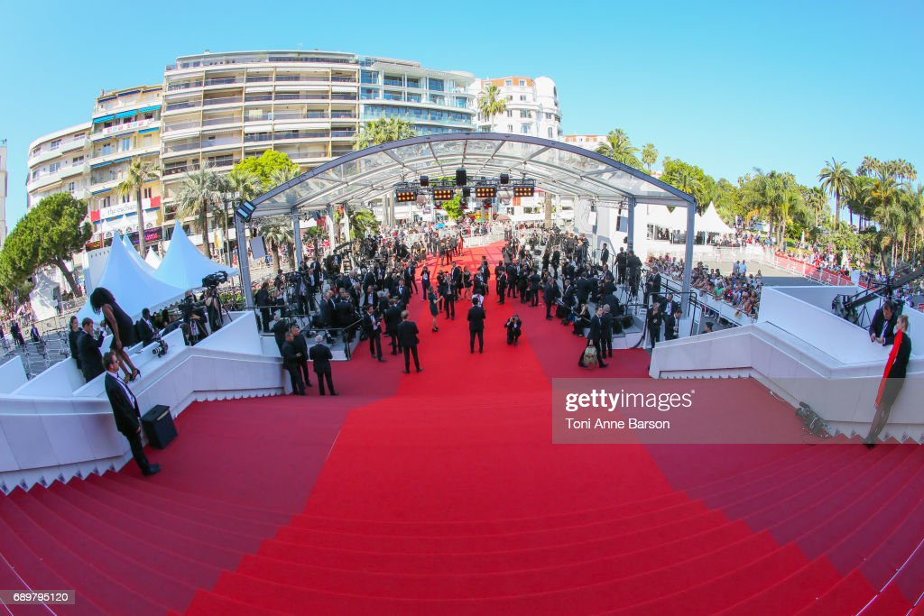 Closing Ceremony Red Carpet Arrivals - The 70th Annual Cannes Film Festival : Photo d'actualité