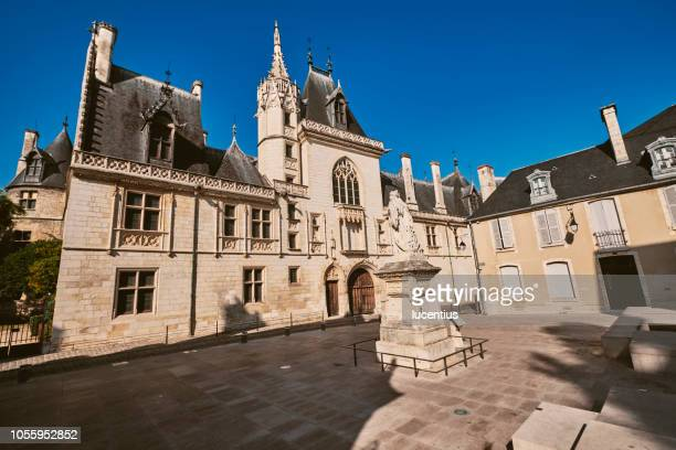 palais jacques coeur, bourges, auvergne, france - bourges imagens e fotografias de stock