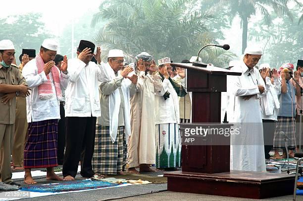 Indonesian Muslims pray for rain in Palangkaraya on Borneo island 11 October 2006 Hundreds of Indonesians prayed on the island of Borneo for rain to...