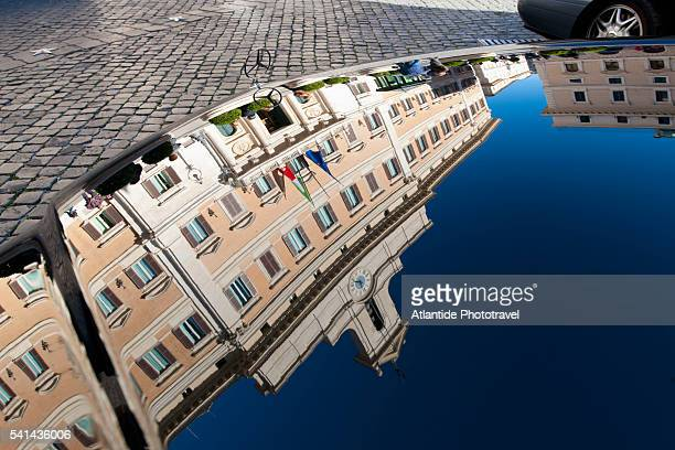 palazzo montecitorio reflected in car hood - mercedes benz stock pictures, royalty-free photos & images