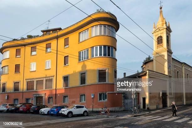 palazzo scardovi and church tower on a sunny morning,bologna. - emreturanphoto fotografías e imágenes de stock