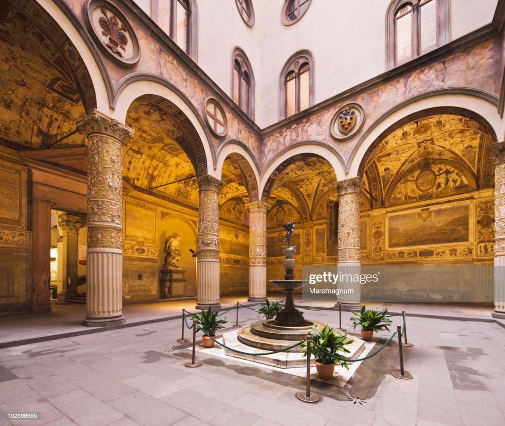 Palazzo Vecchio, first courtyard : Stockfoto