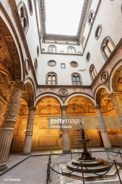 palazzo vecchio in florence - florence italy ストックフォトと画像