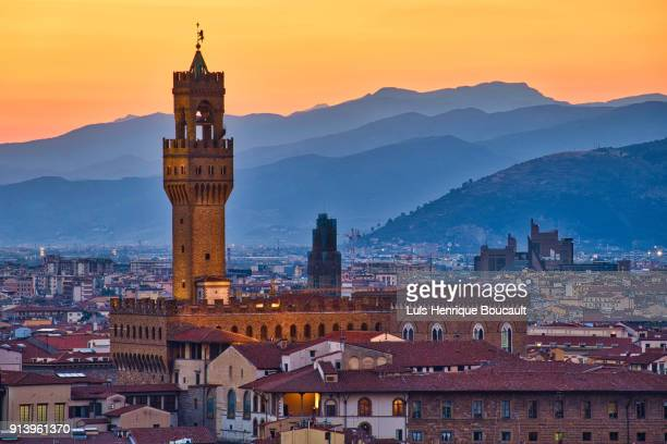 palazzo vecchio & sunset - florence italy stock pictures, royalty-free photos & images