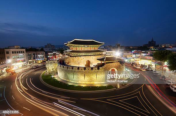 Paldalmun Gate, Suwon