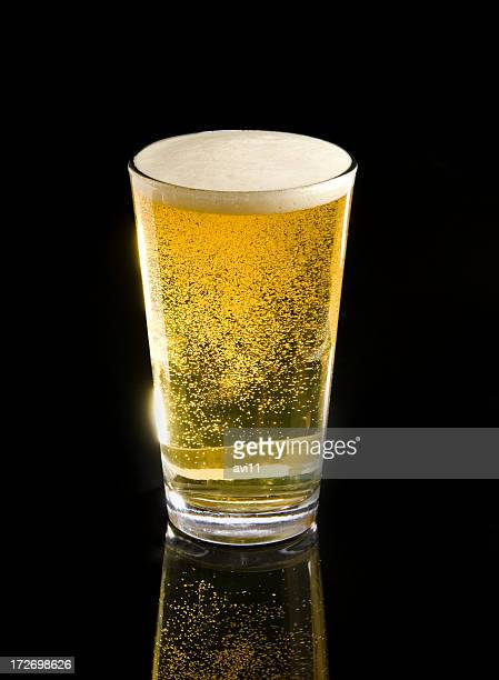 pale ale draft with bubbles and head - pint glass stock pictures, royalty-free photos & images