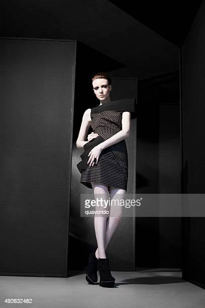 Modèle fashion pâle Prends la pose