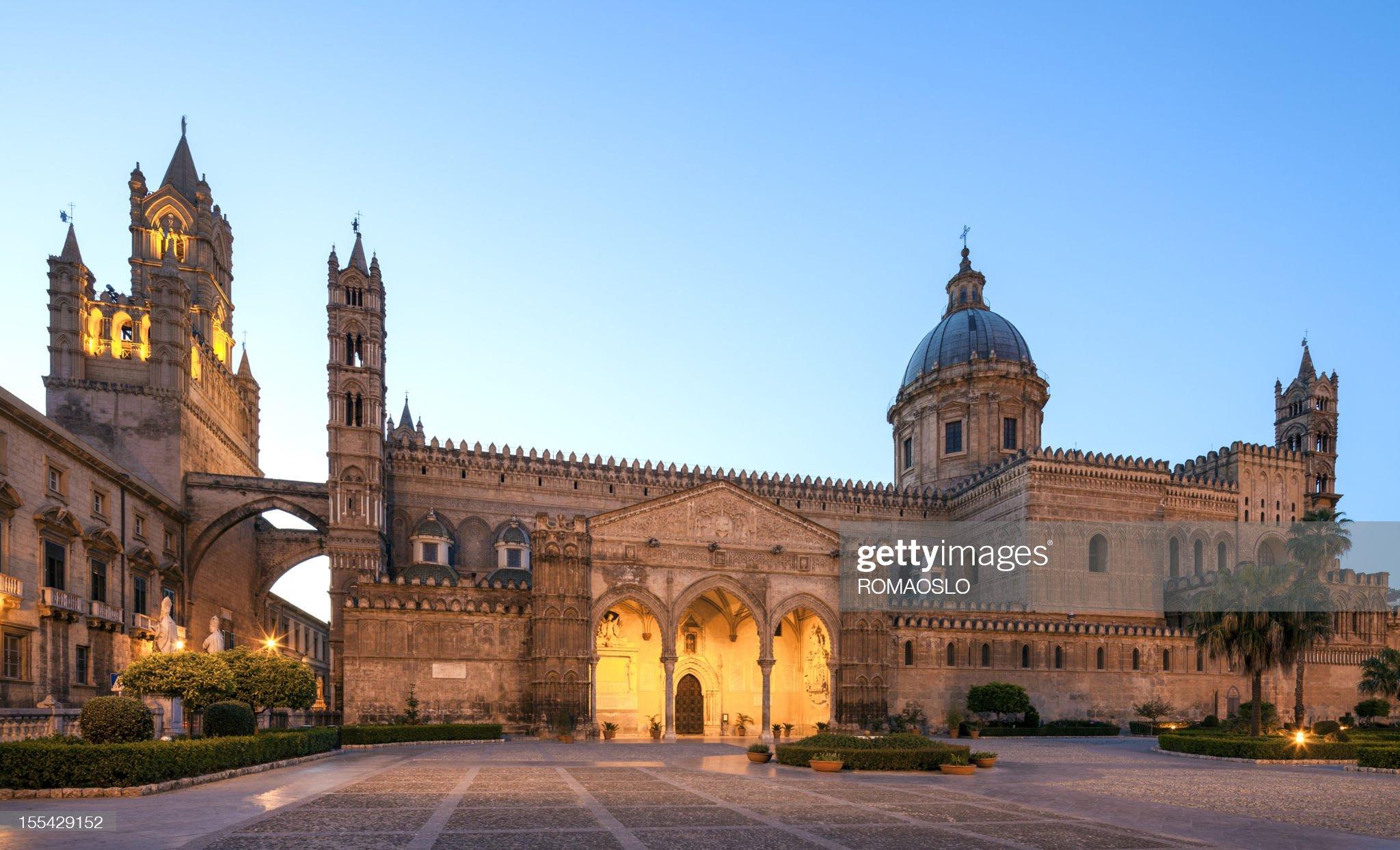 Cattedrale di Palermo, sicilia, italia di notte : Foto stock