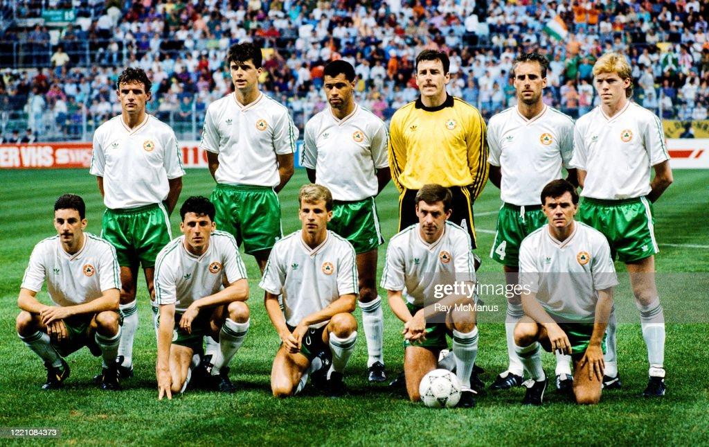Republic of Ireland v Netherlands - FIFA World Cup 1990 Group F : News Photo