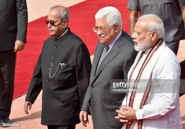 Palestine President Mahmoud Abbas welcomed by President Pranab Mukherjee and Prime Minister Narendra Modi during his ceremonial reception at...