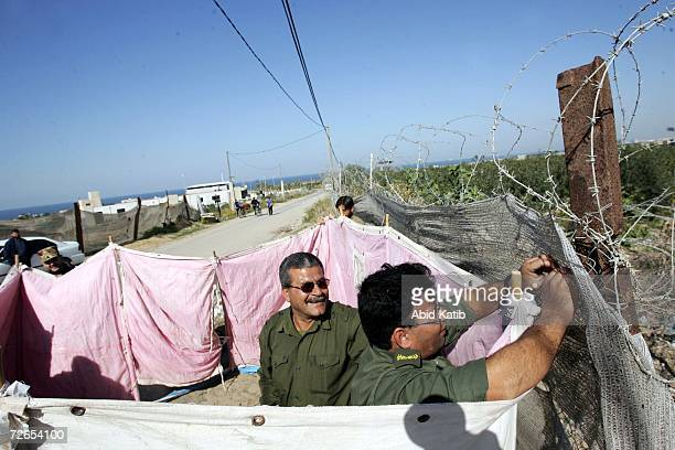 Palestinian border security forces set up a tent to use it as a new position on November 27 2006 in Beit Lahia northern Gaza Palestinian Fatah...