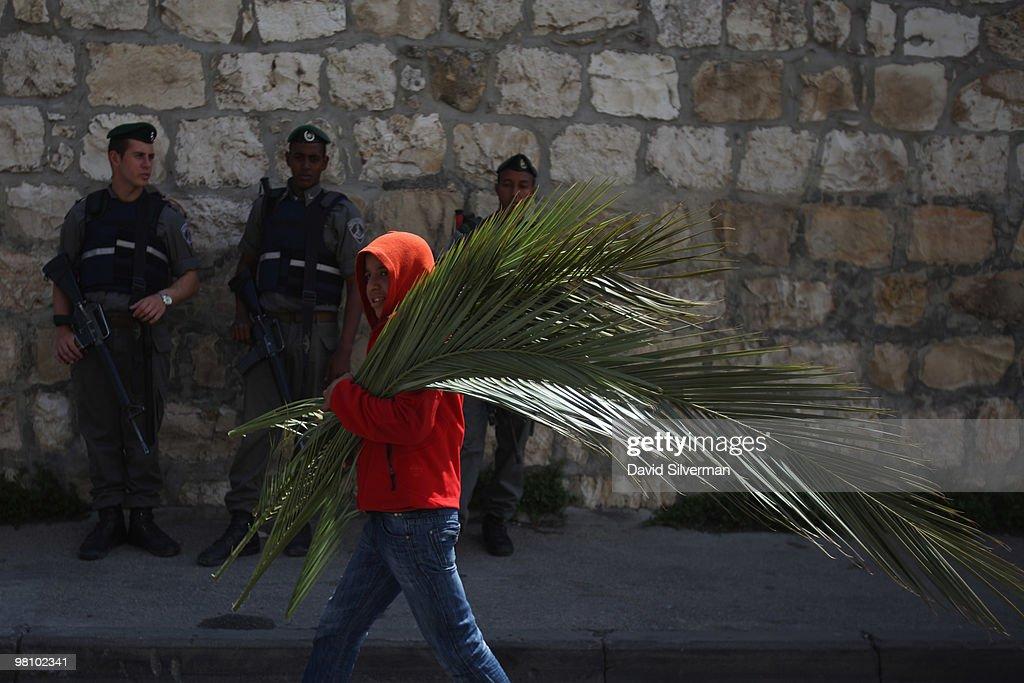 Palm Sunday Procession : News Photo