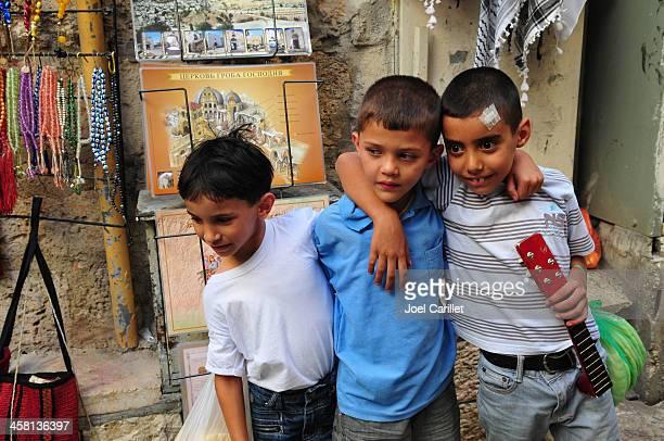 palestino rapazes em jerusalém - cultura palestina - fotografias e filmes do acervo