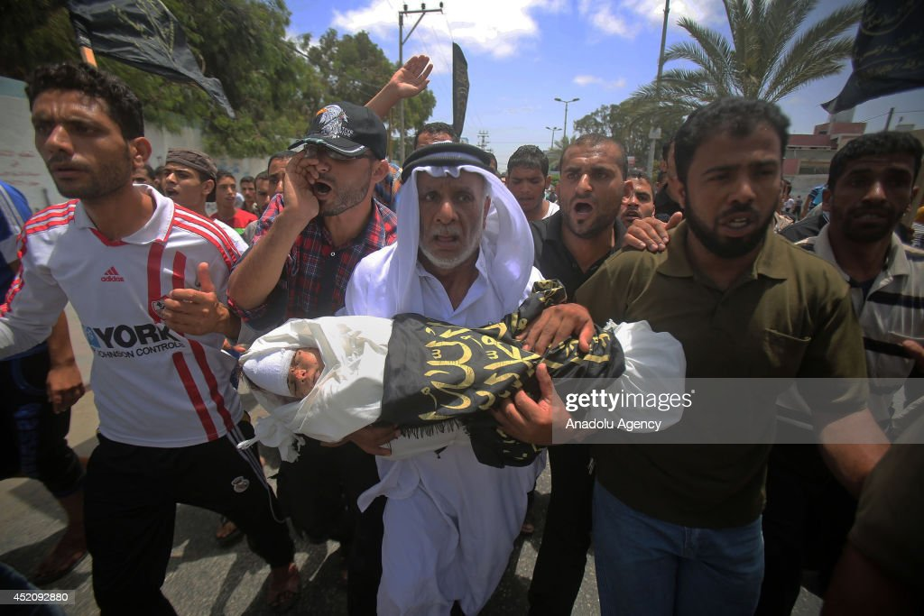 Funeral of a three-year-old boy in Gaza : News Photo