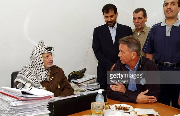 Palestinian leader Yasser Arafat holds a meeting in his compound September 29 2002 in Ramallah West Bank After a personal message from US President...