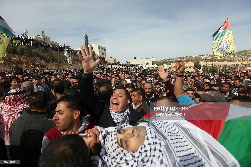 PALESTINIAN-ISRAEL-CONFLICT-FUNERAL : News Photo