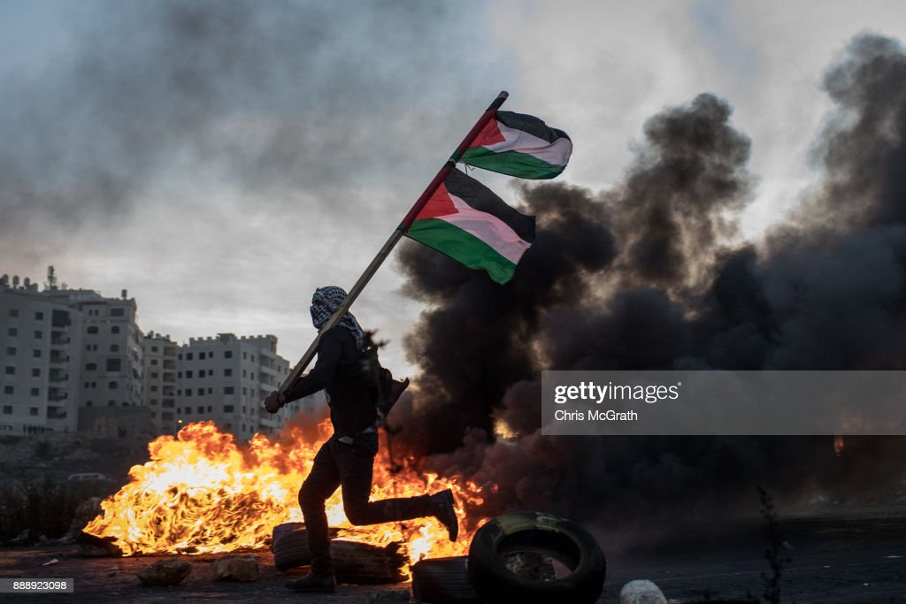 Protests Continue into Fourth Day Across Jerusalem and the West Bank : ニュース写真