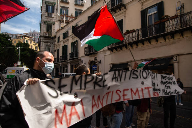 ITA: Solidarity Procession For The Israeli People In Naples
