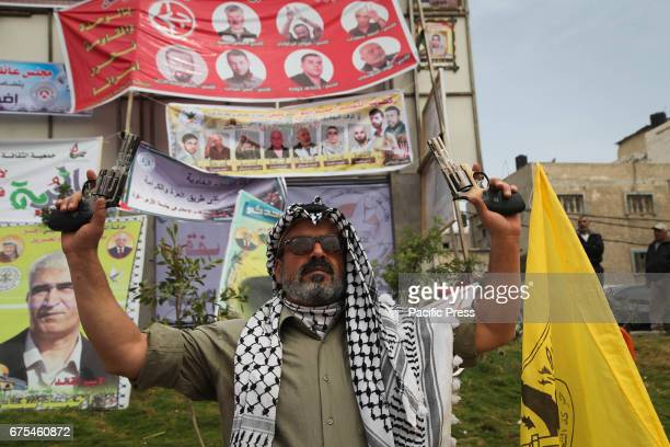Palestinians continued in the courtyard of Saraya Central Gaza activities of solidarity with the prisoners on hunger strike in Israeli jails for more...