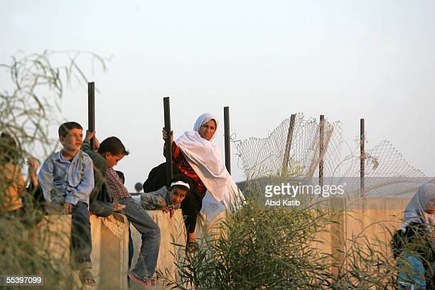 Palestinians cross the now EgyptianPalestinian controlled border September 13 2005 in Rafah Egypt Thousands of Palestinians and Egyptians crossed the...