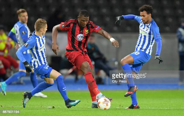 Palko Dardai of Hertha BSC Alhaji Gero of Oestersunds FK and Valentino Lazaro of Hertha BSC during the Uefa Europa League Group J match between...