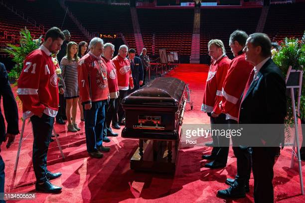 Pall Bearers gather around the casket of NHL Hall of Famer and former Detroit Red Wing Ted Lindsay during the public visitation at Little Caesars...