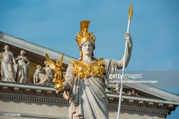 pallas athena statue at the parliament building, vienna, austria. - diosa atenea fotografías e imágenes de stock