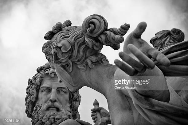 pallas-athene-brunnen, vienna - b&w - statue stock pictures, royalty-free photos & images