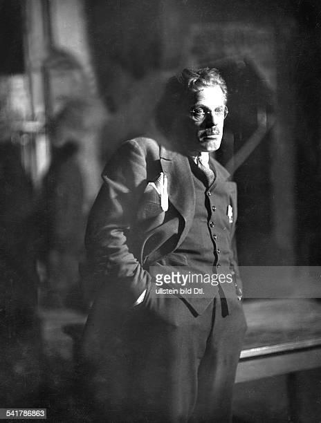 Pallenberg Max Actor Austria*18121877 as director of theatre in Luigi Pirandellos stage work '6 Personen suchen einen Autor' Photographer Zander...