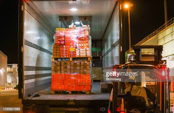 Pallet loaded with fresh fruit and vegetables in a truck at New Covent Garden Market wholesale market in London, U.K., on Wednesday, Sept. 29, 2021....