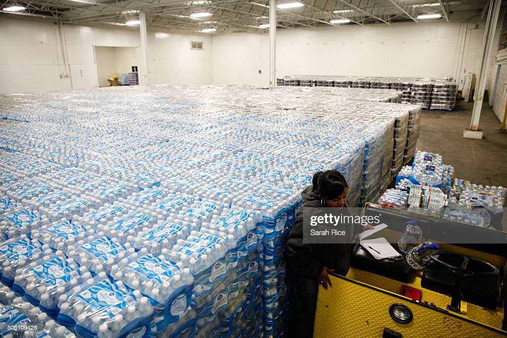 Federal State Of Emergency Declared In Flint, Michigan Over Contaminated Water Supply : News Photo