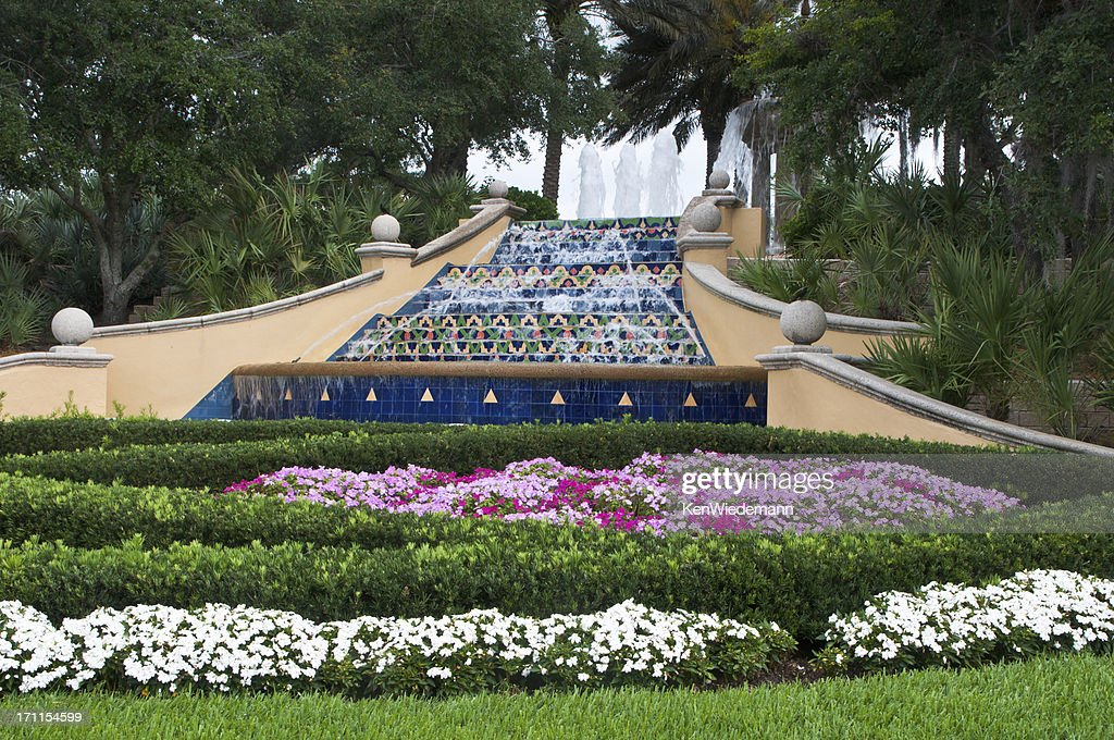Palm Beach Fountain : Stock Photo
