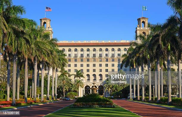 Palm trees line the entrance to the Breakers Hotel in Palm Beach Florida US on Thursday Jan 5 2012 Florida will hold its Republican presidential...