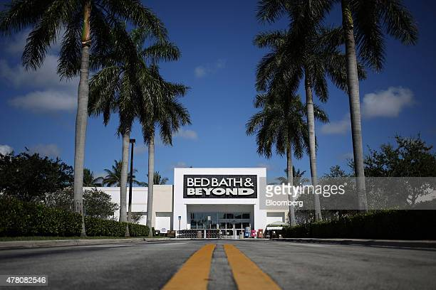 Palm trees line the road in front of a Bed Bath & Beyond Inc. Inc. Store in Fort Lauderdale, Florida, U.S., on Tuesday, June 16, 2015. Bed Bath &...