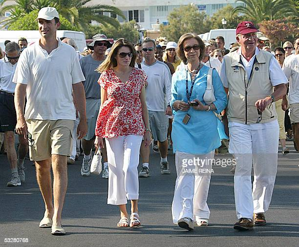 Spanish's King Juan Carlos l Queen Sofia Spanish Prince Felipe and his wife Letizia walk to the trophy ceremony of the 11 regatta Breitling at Puerto...
