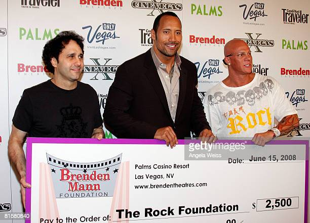This image has an empty alt attribute; its file name is palms-casino-resort-president-george-maloof-actor-dwayne-the-rock-picture-id81580840