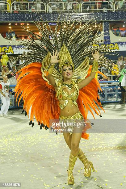 Paloma Bernardi participates in the parade on the Sambodromo during Rio Carnival on February 15 2015 in Rio de Janeiro Brazil
