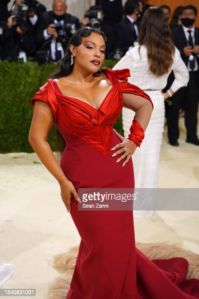 Paloma Elsesser attends 2021 Costume Institute Benefit - In America: A Lexicon of Fashion at the Metropolitan Museum of Art on September 13, 2021 in...
