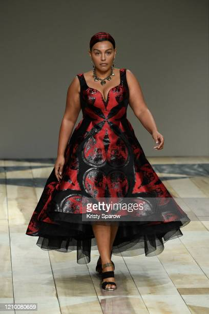 Paloma Elsesser walks the runway during the Alexander McQueen as part of Paris Fashion Week Womenswear Fall/Winter 2020/2021 on March 02, 2020 in...