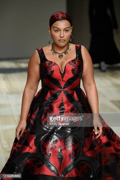 Paloma Elsesser walks the runway during the Alexander McQueen as part of Paris Fashion Week Womenswear Fall/Winter 2020/2021 on March 02 2020 in...