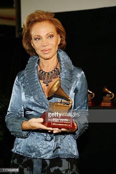 Paloma San Basilio recipient of the Lifetime Achievement Award